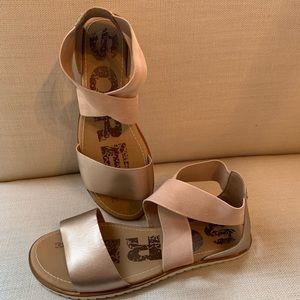 Sorel sandals 100% perfect!!